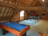 Bed and Breakfast Newtown games room with pool and table tennis
